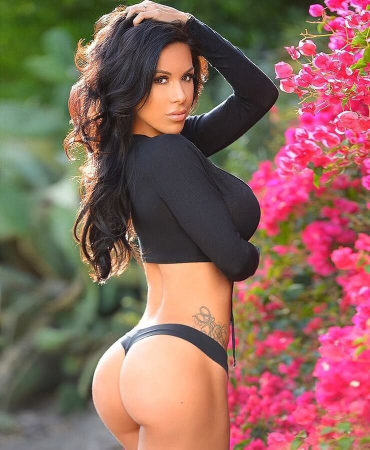 As fotos mais picantes da musa fitness americana Savanna Rehm